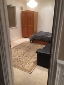 Furnished double room (a big spacious room)