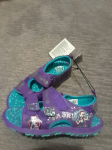 Girls sandals size 13. Brand new