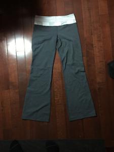 lululemon groove pants size 8