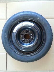 Donut: Wheel and Tire + steel carjack