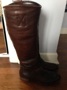 Womens size 9 brown leather boots/bottes pour femmes come neuf
