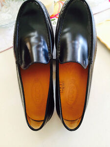TOD'S - Size 10.5 BRAND NEW