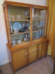 Mid Century Modern Buffet and Glass Fronted Hutch