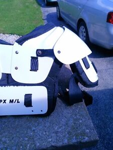 FOOTBALL TPX M-L CHEST PROTECTOR Windsor Region Ontario image 9