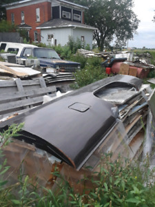 Box side 8ft dr side 73 to 87 chev truck.