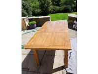 London/Knightsbridge/Surrey large extending oak table