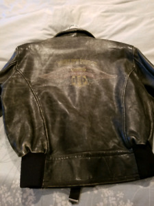 FS: LADIES GENUINE HARLEY DAVIDSON LEATHER JACKET