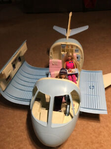 Barbie vintage airplane with accessories and dolls