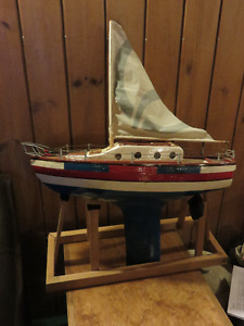 HOME MADE WOODEN POND YACHT GREAT CONDITION WITH STAND asking $4