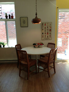 400$ - Great room in 5 1/2 - Right Near Atwater Market