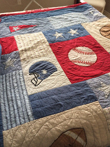 Sports Quilt/Bedspread with Pillow Sham (Twin)