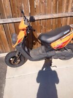 Yw50 - Yamaha gas scooter
