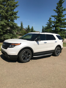 2014 Ford Explorer Sport ( Equipped to flat Tow)