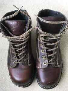 Mens Brown Leather Boots Size 9 by Doctor Martens
