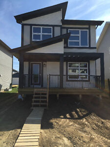 MODERN BRAND NEW HOME IN SPRUCE GROVE