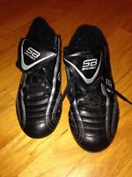 Kids soccer shoes. Size 6