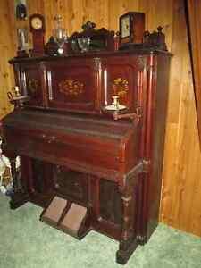 Antique Reed Organ