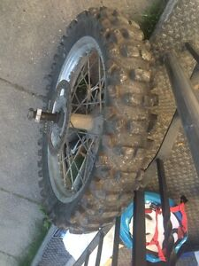 Cr250 tire and rim