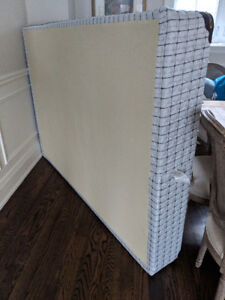 Free Double Bed Box Spring for Pick Up Immediately
