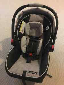 Siège d'auto Graco SnugRide Click Connect 35 Infant Car Seat