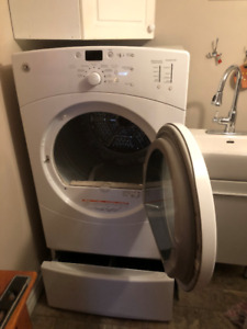 GE 7.0 cu. ft.  Capacity Frontload Dryer