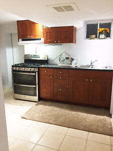 one bedroom apartment / tv cable included