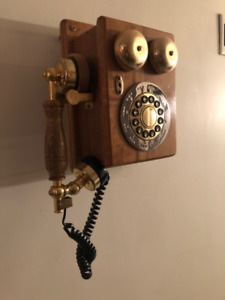 Vintage Wall Phone (purchased from Bell)