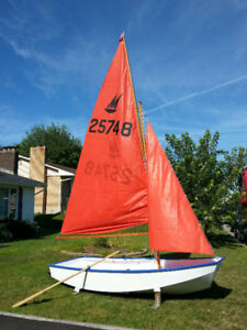 Plywood Sailing Dinghy 'Mirror'