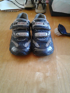 Boys sz 10 GEOX shoes