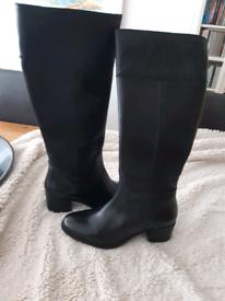Ladies boots brand new never worn Uk size 6 black