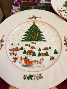Vintage...Christmas Dish Set