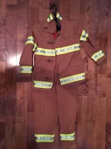 Costume de pompier / Fire fighter costume