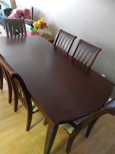 6 People Dining table