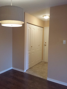 **Newly renovated 2brm Condo*Great Location/Avail. Immediately**