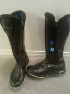 Reebok leather boots size 6.5