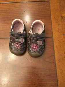Stride rite soft sole shoes, size 4