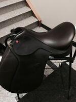 BRAND NEW never used Hastilow jumping saddle