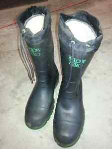 Insulated steal toed boots size 10 Belleville Belleville Area image 1