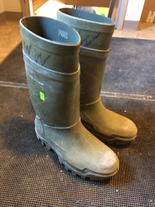 size 12 dunlop steel toed boots