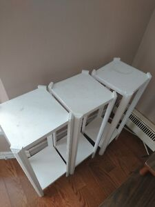 4 tables blanches