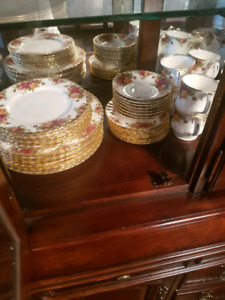 Royal Albert Old Country Rose 50 Piece set for sale