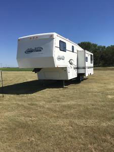 29 ft 5th wheel camper trailer
