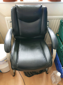 Black leather chair in good condition, free delivery
