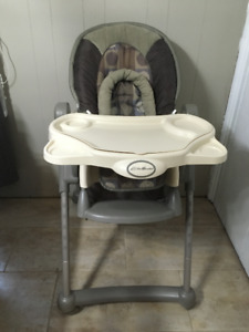 Eddie Bauer Deluxe Adjustable High Chair