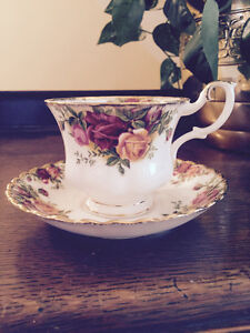 Set of 2 teacups