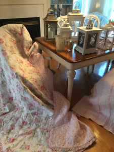 Courtepointe Quilt Rachel Ashwell Simply Shabby Chic lit simple