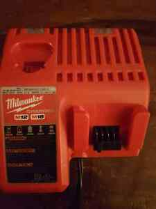 Milwaukee M18 Charger 48-59-1812 Windsor Region Ontario image 1