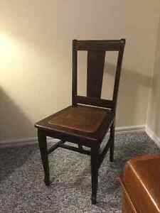 Antique brown chair Kingston Kingston Area image 2
