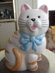 "ADORABLE COOKIE ""KITTY"" for YOUR GRANDMA"