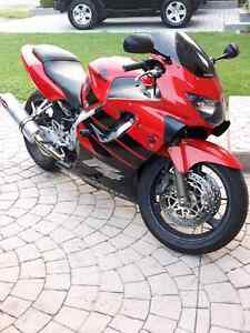 Cbr600 f4 - selling for best offer